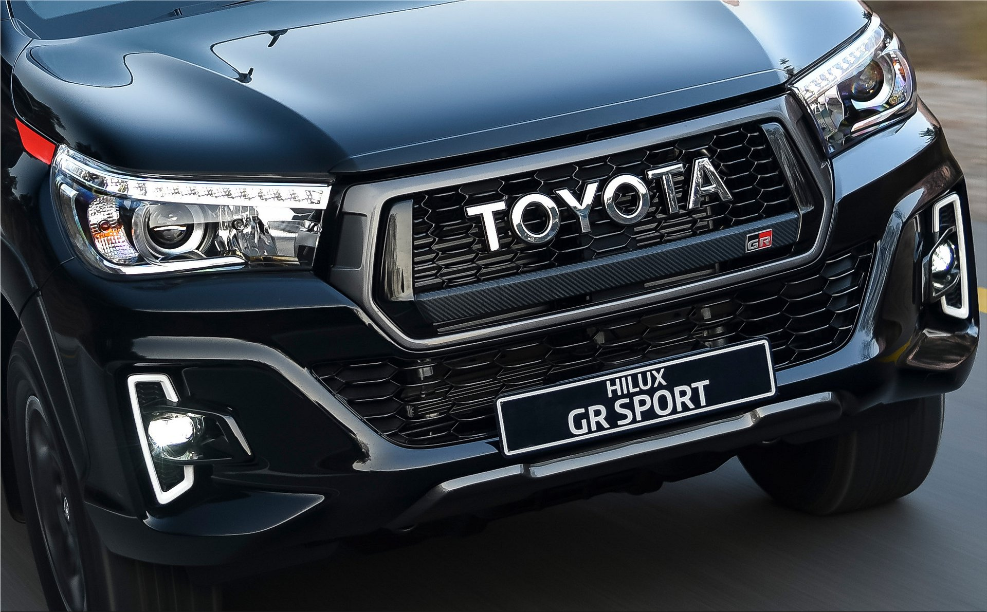 Toyota Sells 17 Suv Models Spare Wheel