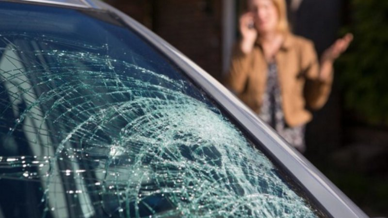 The Top Reasons to Get Car Windshield Repair Right Away
