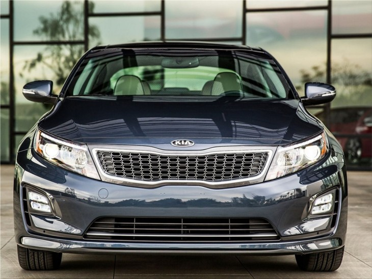Kia Optima Hybrid - dynamic and sporty