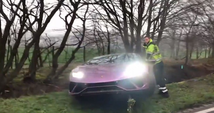 Lamborghini Huracan abandoned in a ditch