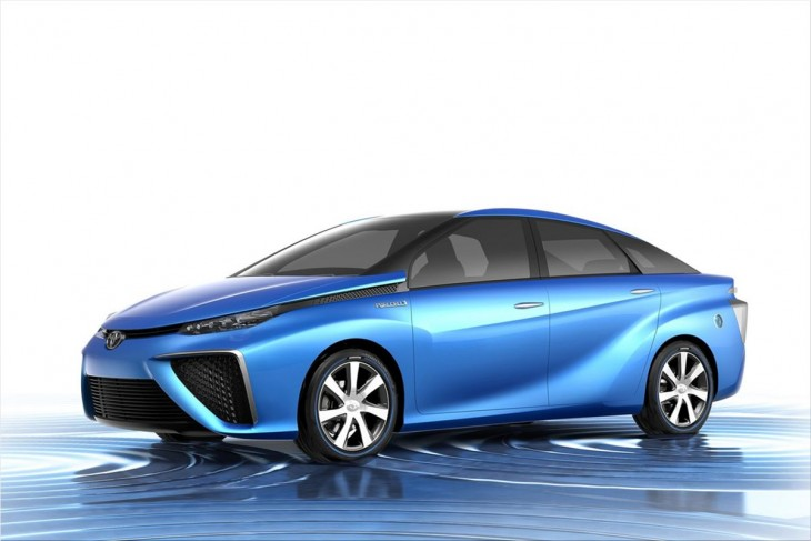 Toyota FCV Concept - fuel cell vehicle