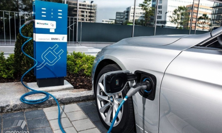 The newest models of plug-in hybrid BMW 330E and BMW 225xe