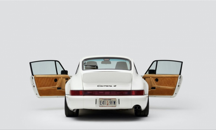 Porsche 911 by Teddy Santis